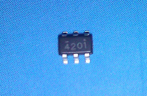 pt4201的前侧消隐电路帮助克服外部功率器件